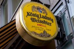 König路德维希Weissbier牌 库存照片