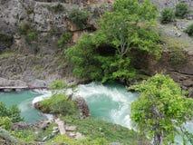 KÃ-¼ p Wasserfall lizenzfreie stockbilder