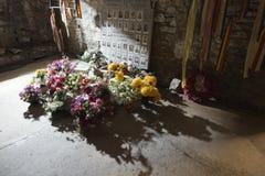 Källare som minns massmordet på christamasafton i Bande Royaltyfri Foto