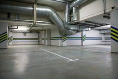 källareparkering Arkivfoton