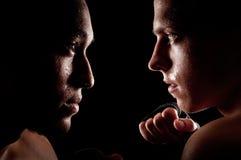 kämpe vs Arkivfoton