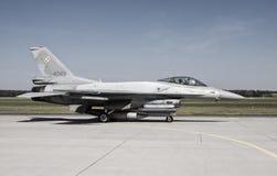 Kämpfender Falke F-16 lizenzfreie stockbilder