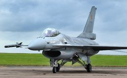 Kämpfender Falke Lockheed Martin F16, moderner schneller Düsenjäger Lizenzfreie Stockfotos