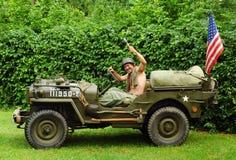 Kämpfender Jeep Lizenzfreie Stockbilder