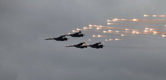 Kämpfer MiG-29 feuert einen Flugkörper ab Stockfoto