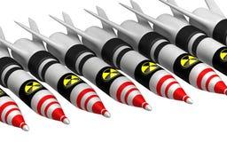 Kärn- bombarderar med utstrålningssymbolen Royaltyfria Foton