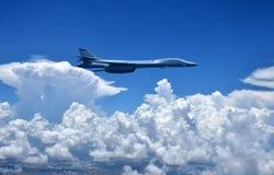 Kärn- bombplan i flykten Arkivfoton