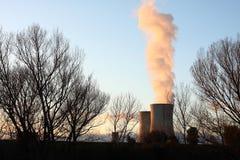 Kärn- kraftverk royaltyfri foto