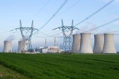 kärn- strömstation Arkivbilder