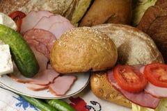Käse, Brot und Fleisch lizenzfreie stockfotos