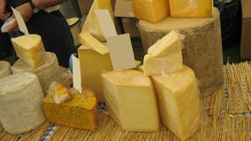 Käse am Markt für Verkauf Stockfotografie