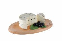 Käse mit Oliven Stockfotos