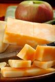 Käse und Apple Lizenzfreie Stockfotos