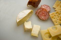 Käse und Cracker - 1 Stockbild