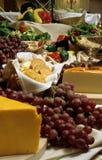 Käse und Trauben Stockbild