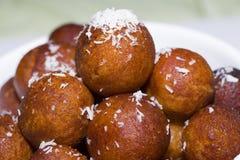 Käseballbonbons - indischer Nachtisch Stockfotos