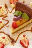 Käsekuchen gemacht mit Ricottakäse und -erdbeeren Stockbild
