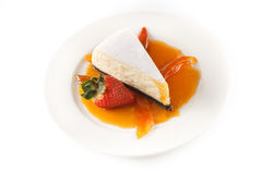 Käsekuchen mit Erdbeere Lizenzfreies Stockbild