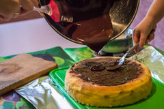 Käsekuchen mit flüssiger Schokolade Lizenzfreie Stockfotografie