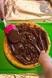 Käsekuchen mit flüssiger Schokolade Lizenzfreies Stockbild