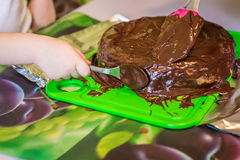 Käsekuchen mit flüssiger Schokolade Stockfoto