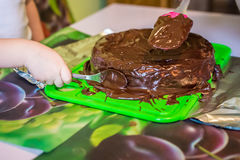 Käsekuchen mit flüssiger Schokolade Lizenzfreie Stockbilder