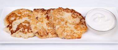 Käsekuchen mit saurer Sahne Yummy Nachtisch Lizenzfreie Stockbilder