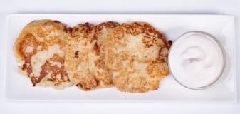 Käsekuchen mit saurer Sahne Yummy Nachtisch Stockfotos