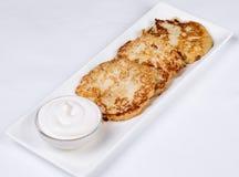 Käsekuchen mit saurer Sahne Yummy Nachtisch Lizenzfreie Stockfotografie