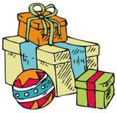 Kästen mit Geschenken und Ball Stockbilder