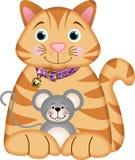 Kätzchen, das mit einer Maus spielt Lizenzfreies Stockbild