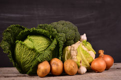 Kål blomkål, broccoli, potatis, lök Royaltyfri Bild