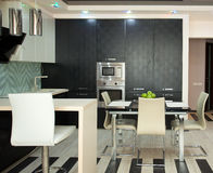 Kök i modern stil Fotografering för Bildbyråer