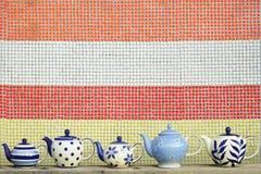 Kök som är keramiskt med den färgrika mosaiken Arkivfoton