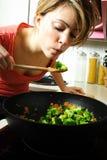 kökkvinna arkivbild