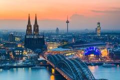 Köln an der Dämmerung Stockbild