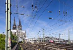Köln-Hauptbahnhof und Kathedrale, Deutschland Stockfotografie