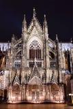 Köln-Kathedrale nachts Stockfotos