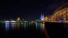 Köln-Kathedrale und hohenzollern Brücke Stockfotos