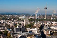 Köln-Kontrollturm und Stadtbild, Deutschland Lizenzfreie Stockbilder