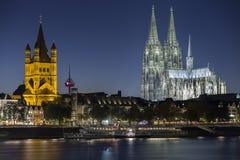 Köln-Nachtansicht Lizenzfreie Stockbilder