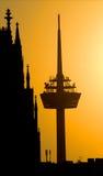 Köln, Radiokontrollturm und dom Lizenzfreie Stockfotos