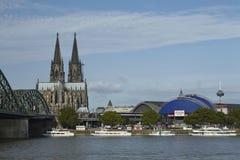 Köln - Skyline mit Köln-Kathedrale Stockbild