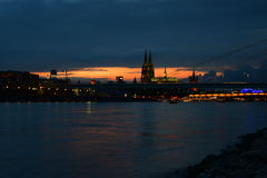 Köln-Sonnenuntergang VII stockfoto