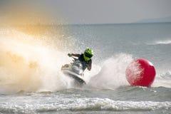 König ` s Schalenjet-Ski World Cup-Wettbewerb 2015 in Thailand Lizenzfreie Stockfotos