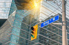 König Street Sign - Toronto im Stadtzentrum gelegen stockfotografie