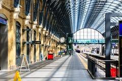 Könige Cross Station Platforms Stockfoto