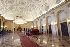 Königin Anne von Rumänien bei Royal Palace in Bukarest stockfotos