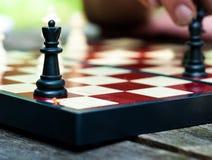 Königin auf dem Schachbrett stockfoto