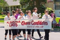 Königin-Kandidaten an der Parade Stockfotografie